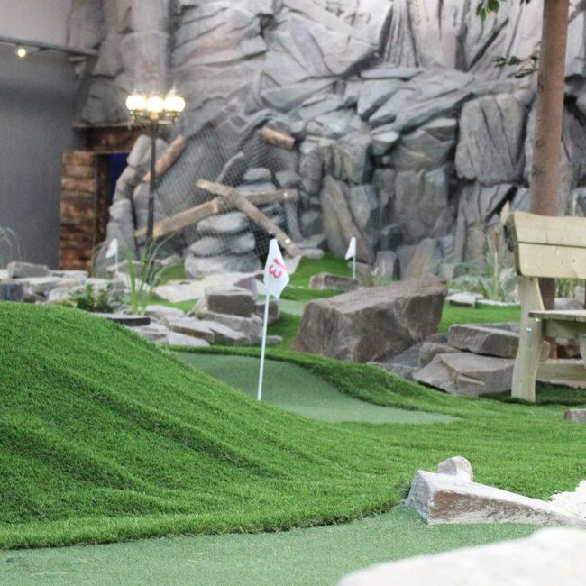 Abenteuer- und Schwarzlicht-Minigolf – Dein Event- und Freizeitpark – Alma Park Gelsenkirchen